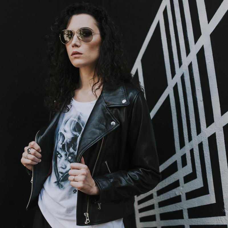 Servizio Fotografico Fashion Roma Art Glamour modella con giacca di pelle