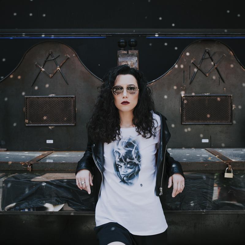 Servizio Fotografico Fashion Roma Art Glamour maglia con stampa e giubbotto di pelle